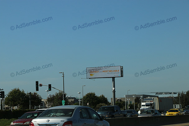 oakland california airport digital billboard